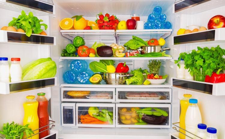 مواد غذایی در یخچال امرسان min - یخچال امرسان به عنوان بهترین یخچال انتخاب هر ایرانی
